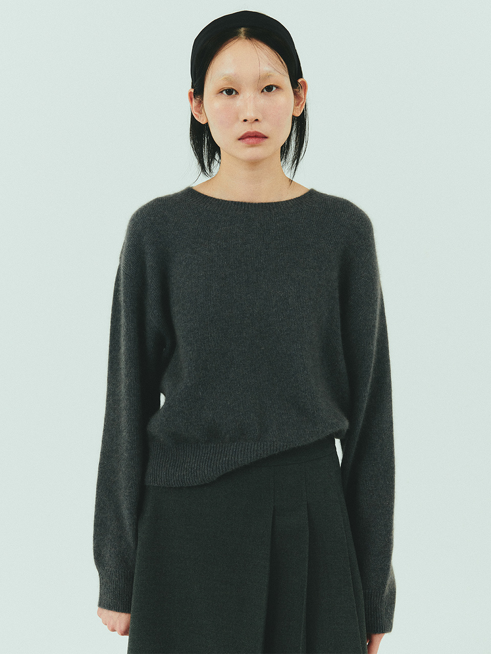 [자민착용] MERINO WOOL CROP KNIT_DARK GREY